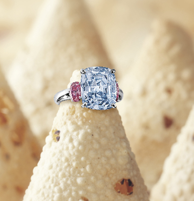 6.01 carats Fancy Vivid Blue Diamond Ring