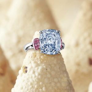 6.01 carat fancy vivid blue diamond ring sold at Sotheby's HK for $10.1 million