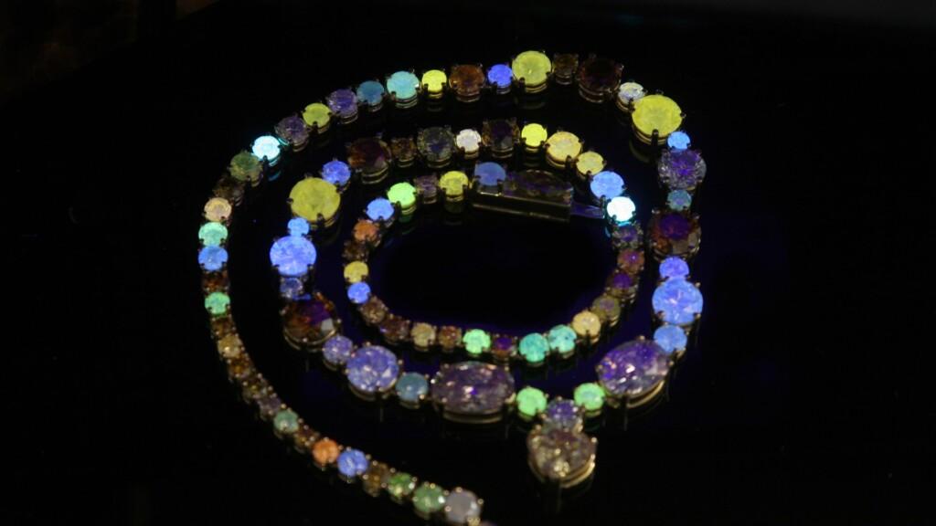 Fluorescent diamond necklace