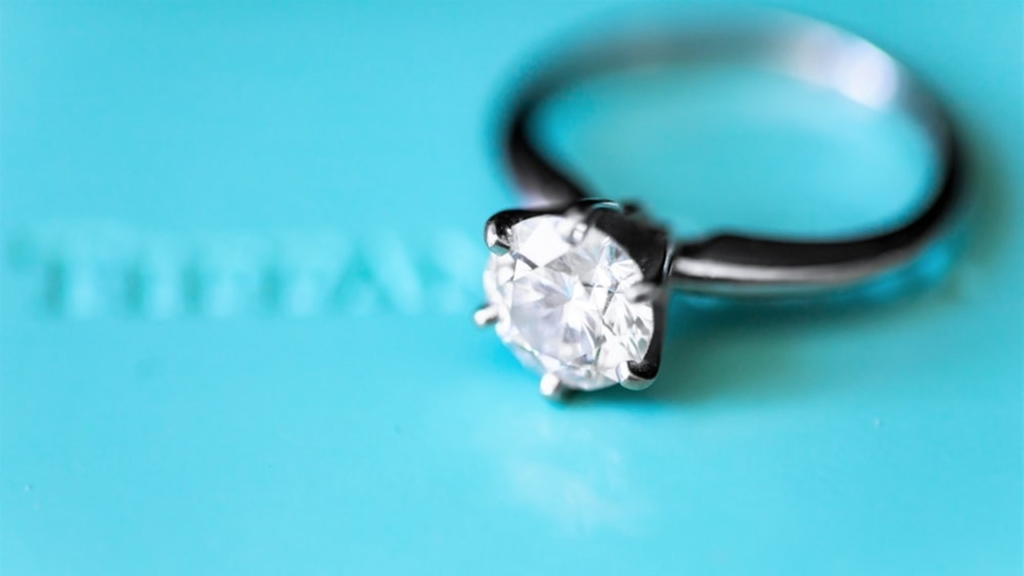 tiffany style solitaire